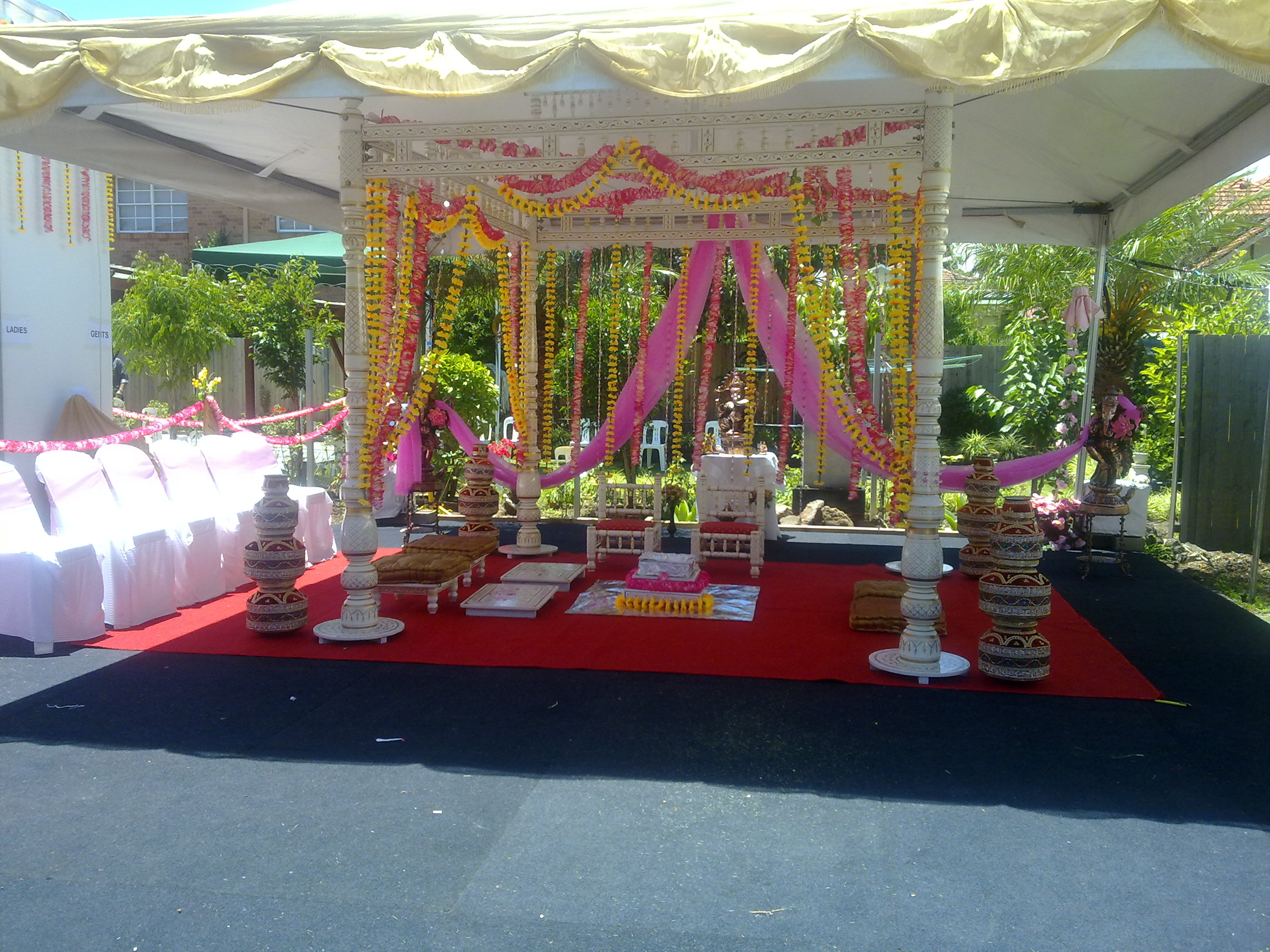 Outdoor indian wedding decorations related indian weddin related indian wedding table decorations indian wedding decorations junglespirit Image collections